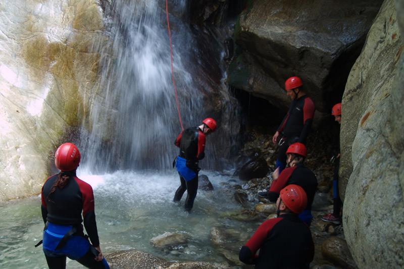 Klettergurt Canyoning : Canyoning im zillertal geführte touren für einsteiger und